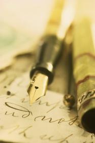 Füller und Papier im Office