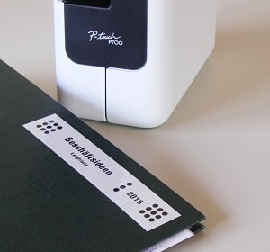 Brother  P-Touch P700 Etikettendrucker mit automatischen Schnitt