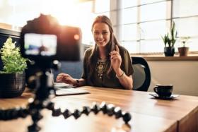 Video Blogger bei der Aufnahme
