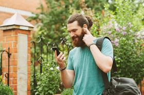 Bluetooth Kopfhoerer mit Smartphone
