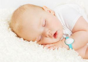 Neebo Baby Sensor-Armband: Vitaldaten eines Babies in Echtzeit überwachen